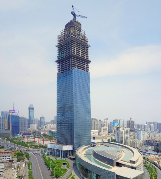 546279a4e58eceb71f000004_the-world-s-10-tallest-new-buildings-of-2015_forum-66-construction-530x590
