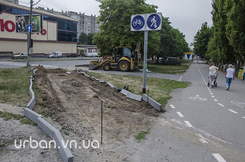 Єдину у Вінниці відокремлену велодоріжку першими випробовують… мами з колясками (фото) - фото 5