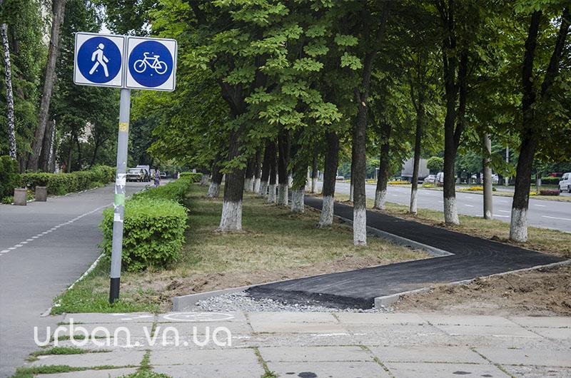 Єдину у Вінниці відокремлену велодоріжку першими випробовують… мами з колясками (фото) - фото 1