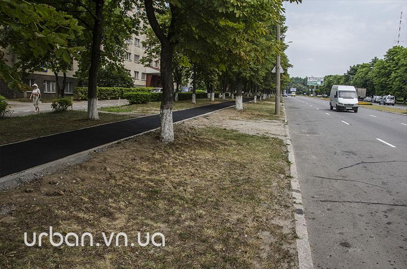 Єдину у Вінниці відокремлену велодоріжку першими випробовують… мами з колясками (фото) - фото 6