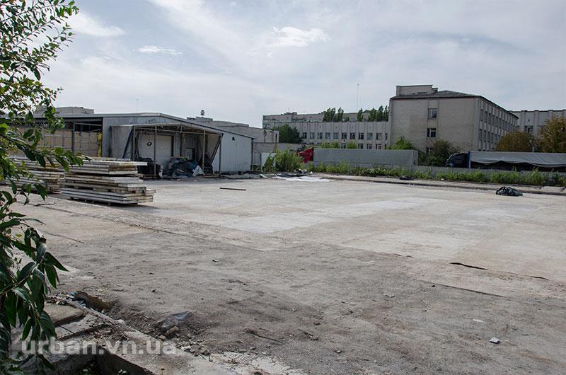 У Вінниці розбирають льодовий комплекс (фото) - фото 2